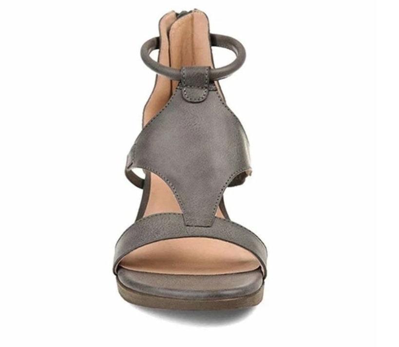 sandalias con correa